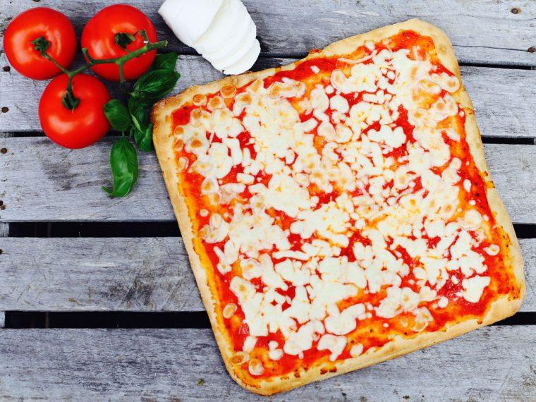 La pizza QuattroLati di Dolcepane, forno artigianale abruzzese